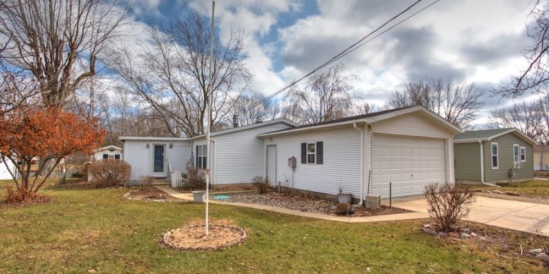 2616 Bayberry, Brooklyn, MI  49230